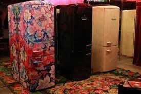 Холодильник - неотъемлемый атрибут кухни.