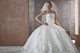 В Амурском областном краеведческом музее проходит выставка свадебной моды