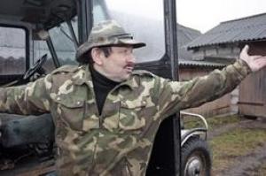 Сельчанин из Глусского района собрал трактор