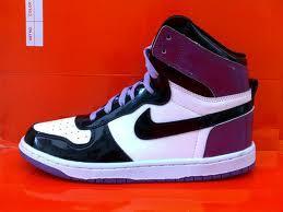 Кроссовки Nike - мечта каждого тинейджера