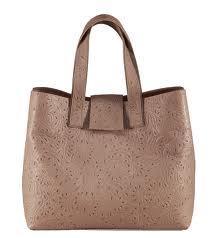 Как выбрать женскую кожаную сумку?