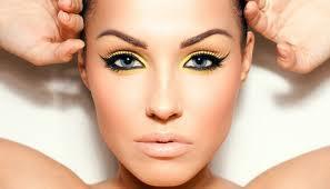 Как сделать безупречный макияж?