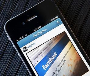Сотовый телефон от Facebook