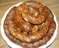 Гигантская колбаса была зажарена на день города Запорожья